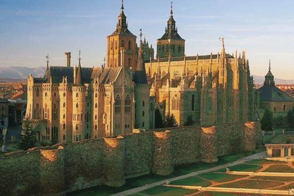 Catedral y Palacio.
