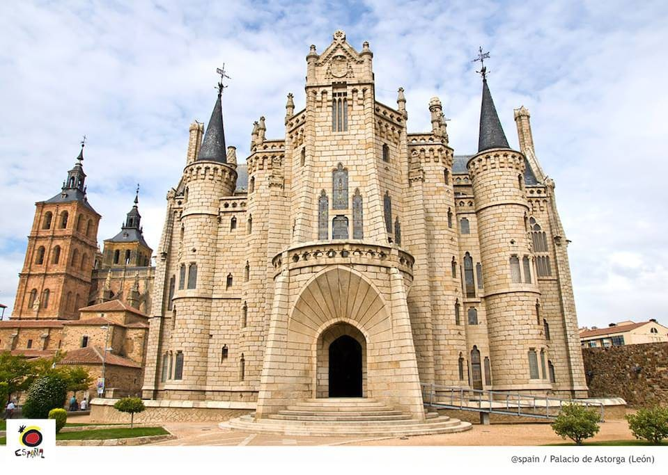 Palacio Episcopal de Astorga, de A.Gaudí.