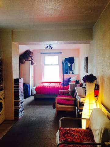 W. Cup flat available in Cardiff. - Cardiff - Wohnung