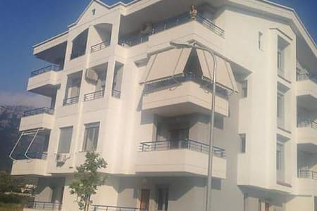 Rradhima Beach Apartment - Radhimë