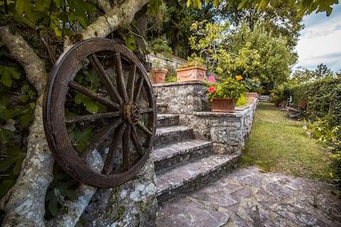 Autentický kamenný dom Chianti so záhradou a terasou