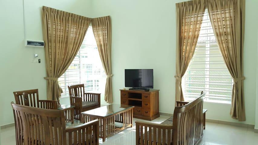 Villa Stay - Durian Tunggal - Villa