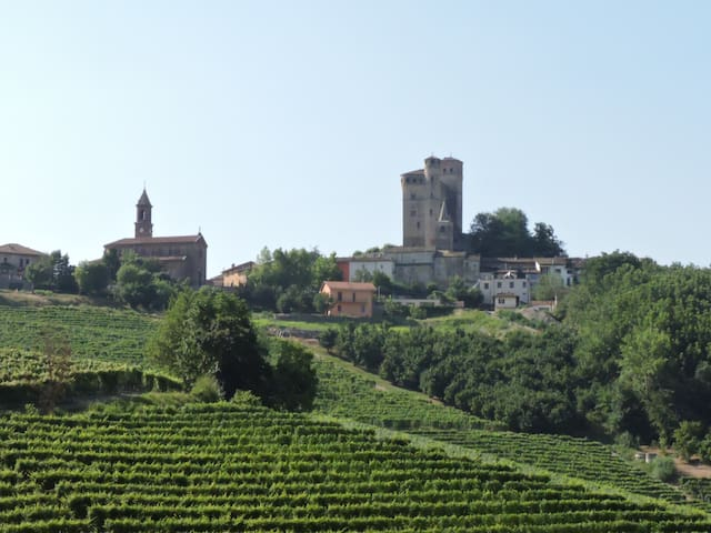 https://www.airbnb.it/managEx fienile nelle Langhe - Serralunga d'Alba - Appartement