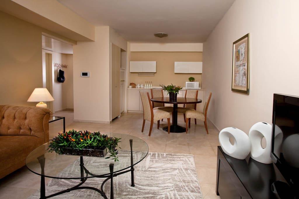 Living room & Kitchen area