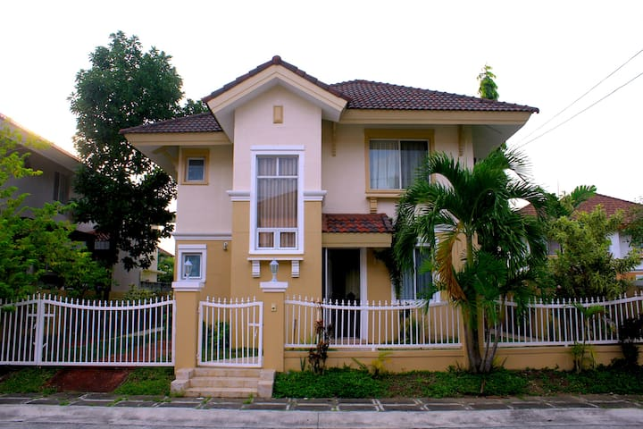 House near Tagaytay, Nuvali and EK - Sta. Rosa  - Haus