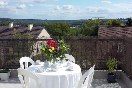 Maison, terrasse et jardin - Coupvray
