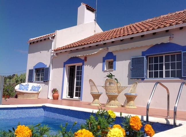 Beautiful House in Rural Village - Bicos