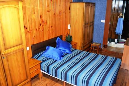 Habitacion privada con aseo y ducha - La Penya de les Àguiles