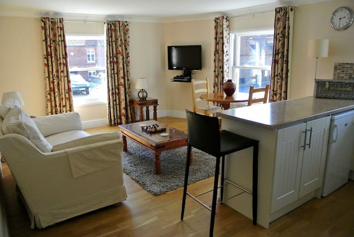 TideAway Luxury Seaside Apartment - Weybourne - Apartment