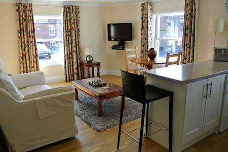 TideAway Luxury Seaside Apartment - Weybourne