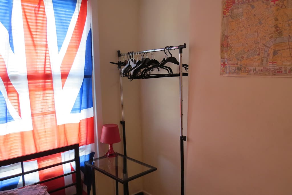2. room in central london