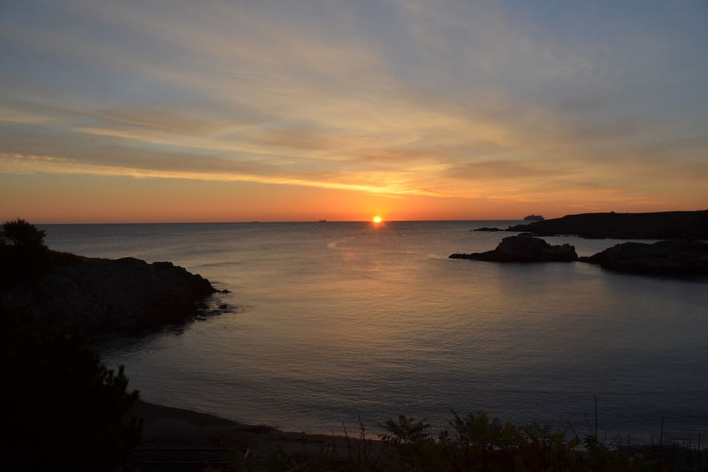 Nahant: Get up early and walk to see the sun rise over the ocean!
