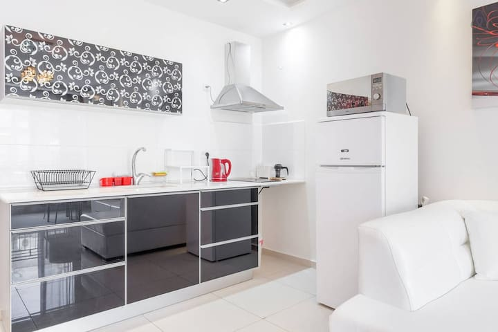Bat Yam Two Rooms Luxury  Apartment - Bat Yam - Apartment