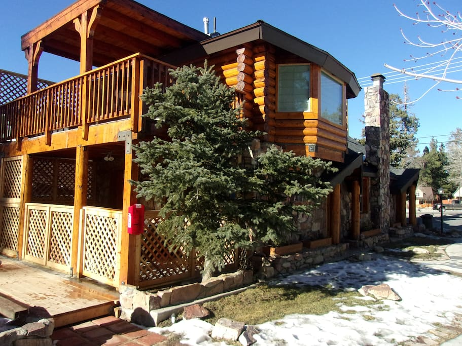 Log cabin sleeps 6 adults 2 children cottages for rent for Cabin for rent in big bear ca