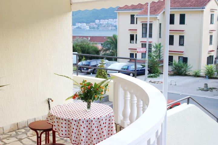 1. Double room with sofa & balcony - Kotor - House