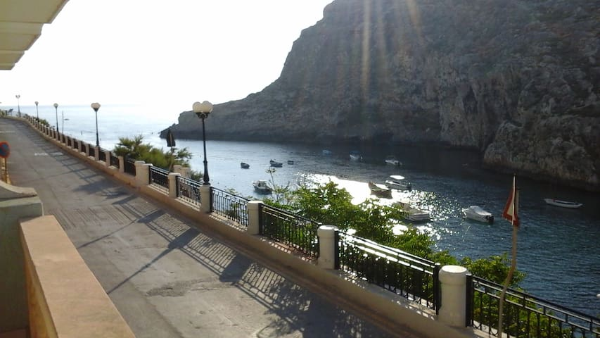 2 bedroom sea view apartment - Xlendi