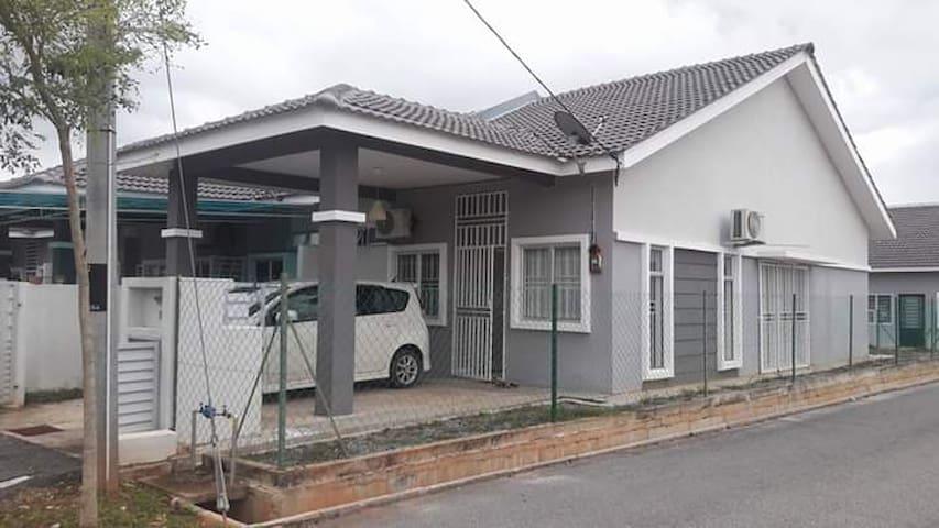 Az Zahraa Homestay Bandar Tun Razak Jengka