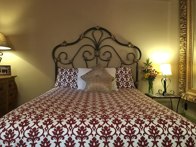 The Roman Room  - Portland - Bed & Breakfast