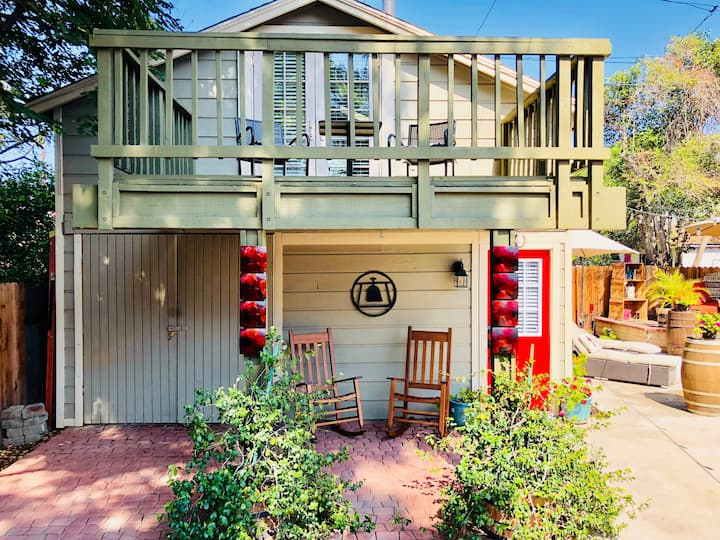 The Carriage House - Self Check In