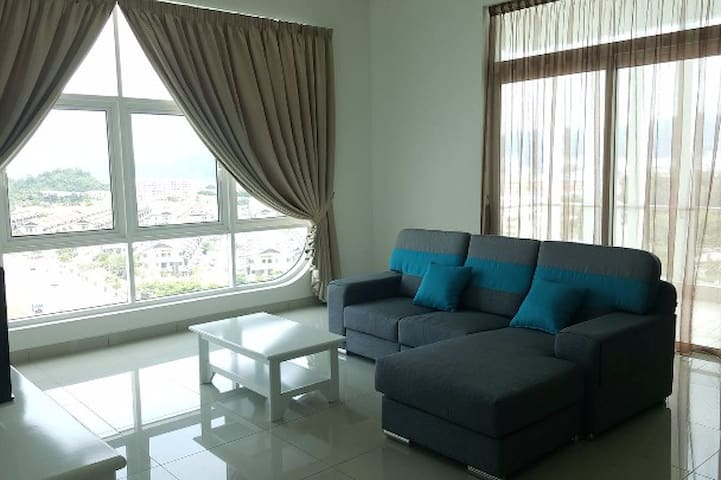 Cozy Room with Airport View - Batu Maung - Condo