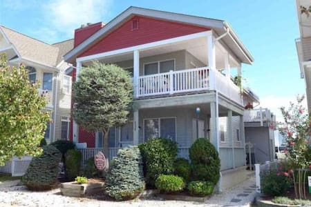 3 Houses To Beach/Boardwalk, Central Ave, Sleeps 9 - Ocean City