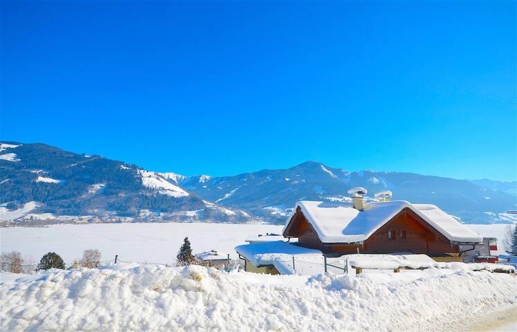Chalet-Over-The-Lake -  Chalet in typisch österreichischem Stil und wunderschöner Aussicht