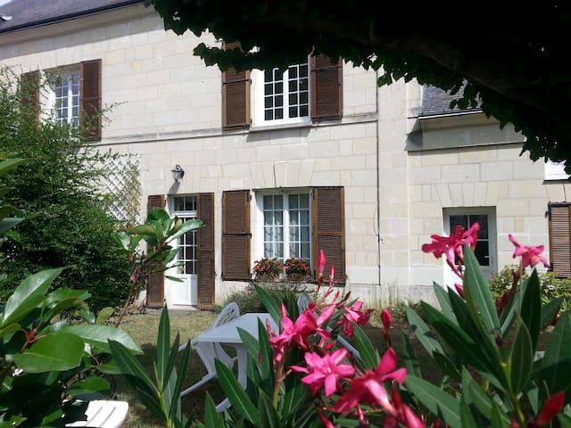 Gîte au cœur des Châteaux de la Loire - Savigny-en-Véron - Hus