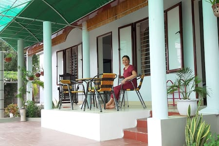 Tre Xanh homestay with garden view