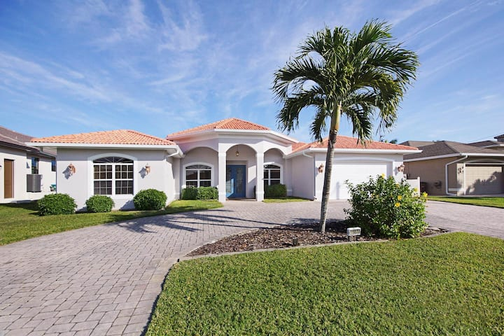 Wischis Florida Vacation Home - Ocean Pearl in Cape Coral