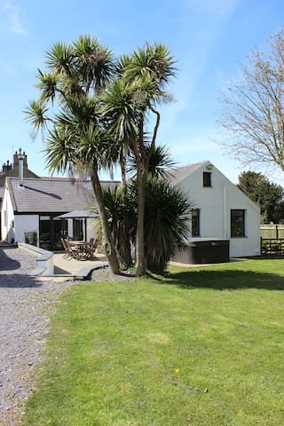 The Lodge, Morfa Nefyn