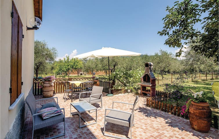 Holiday apartment with 1 bedroom on 70m² in S. Stefano Magra (SP)