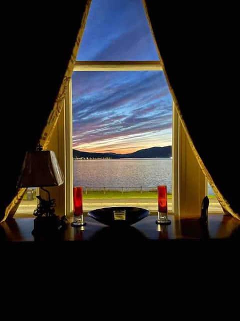 Stunning 3 bedroom flat overlooking Rothesay Bay
