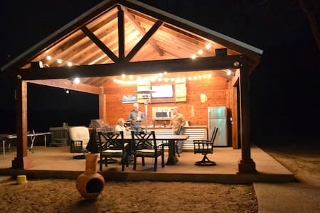 BRAZOS RIVER VACATION HOME (Strict 14 Max Person) - Weatherford - House