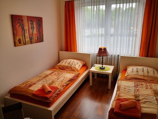 Die Betten können getrennt oder zusammen gestellt werden.
