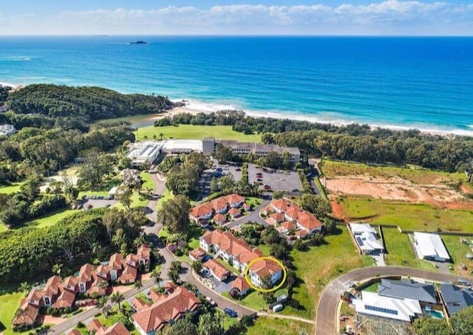 Coffs Harbour Beach side Villa sleeps 6