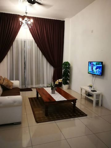 RZM Homestay (All air-conditioned rooms)