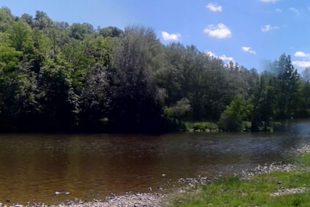 La rivière Allier située à 5 mn de la maison