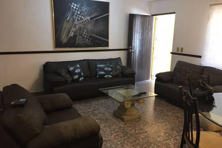 Departamento con excelente ubicación zona dorada - Mazatlán - Apartment