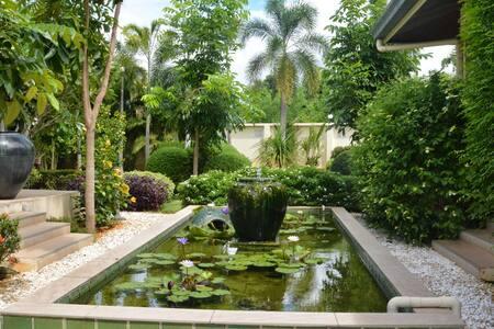 Rooms in beautiful villa with pool - Tambon Pak Chong - Villa