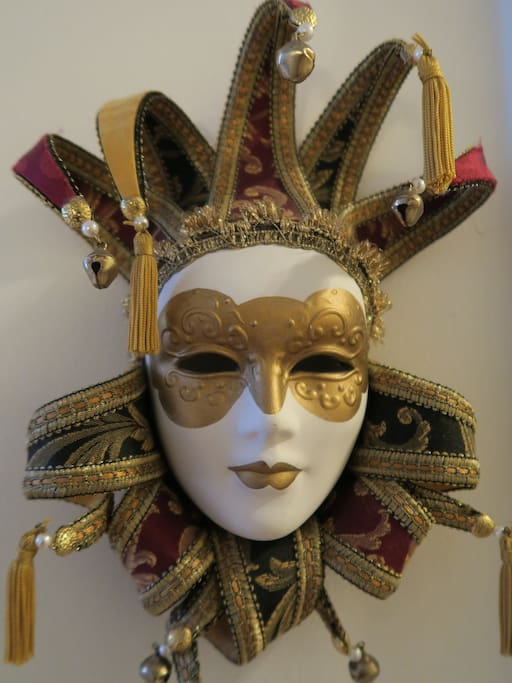 This flat honors the memory of my beloved father; a traveller, teacher, lover of Venice, Alvar Aalto, opera, other arts and education. And yes this is a Venetian mask:)