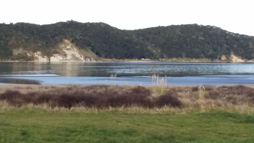 180 degree views of the ever changing Kawhia Harbour with beautiful birdlife.