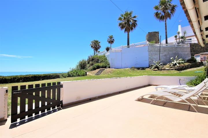 Estepona Beachfront Townhouse SEASCAPE