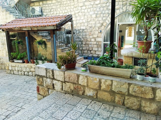 """Ancient apartment in the """"Kabbalist Quarter"""""""
