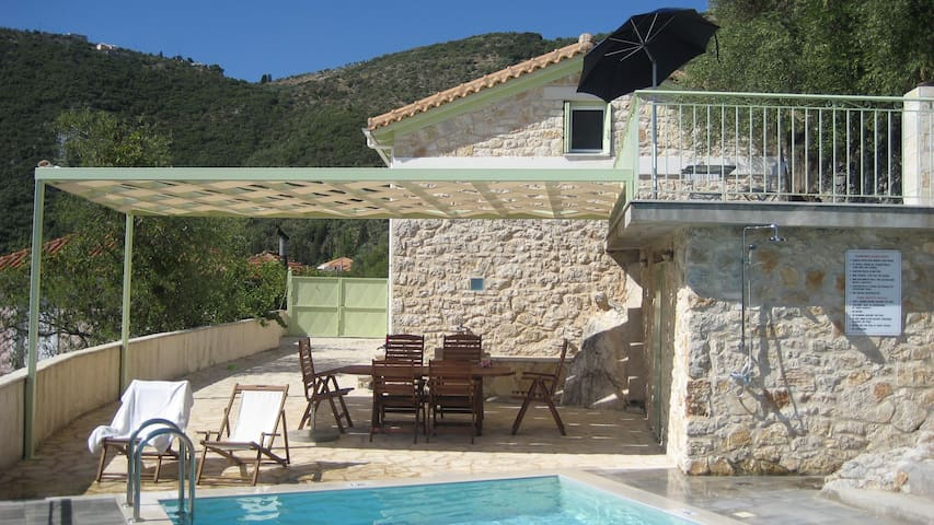 Lefkada island-Ionian harmony-privacy in village - Katochori - Hus