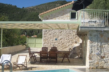 Lefkada island Ionian harmony-privacy in village - Katochori - Dom