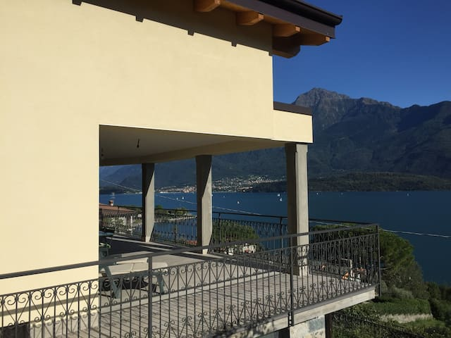 Amazing breathtaking ComoLake View - Domaso - Rumah