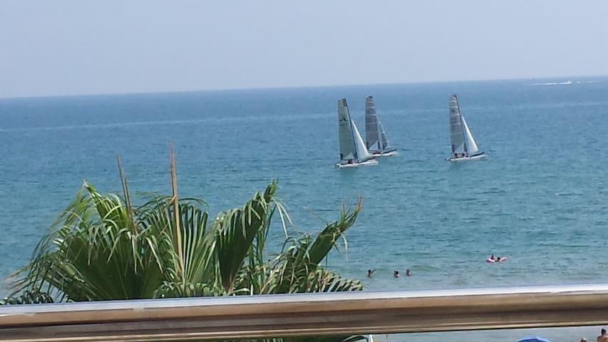 OLIVA Beach/MET : Wonderful seafront 3 room dúplex