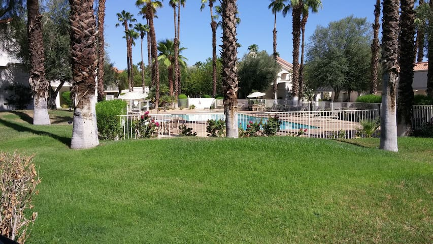 2 Bedroom - Desert Falls CC - Palm Desert - House