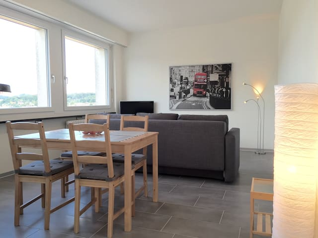 Modern and central apartment for 4 - Biel/Bienne - Apartemen