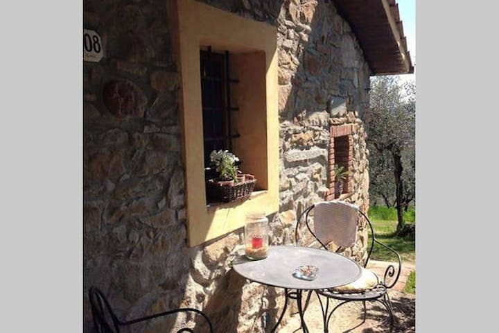 Studio NonnaMora B&B - Casalguidi - Bed & Breakfast